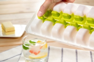 Good Grips No-Spill Ice Cube Tray with Silicone Lid