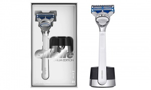 Gillette Skin Guard Sensitive Men Chrome Razor With Stand