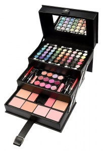 Urban Beauty 82 Piece Tiered Black Beauty Case