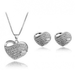 Swarvoski Elements Heart Pendant & Earring Set