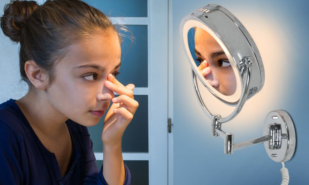Croydex Illuminated Magnifying Bathroom Mirror