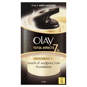 50ml Olay Total Effects Touch of Max Factor Foundation SPF15 Moisturiser - Available in Fair and Medium