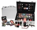Urban Beauty Everybodys Darling 51 Piece Set